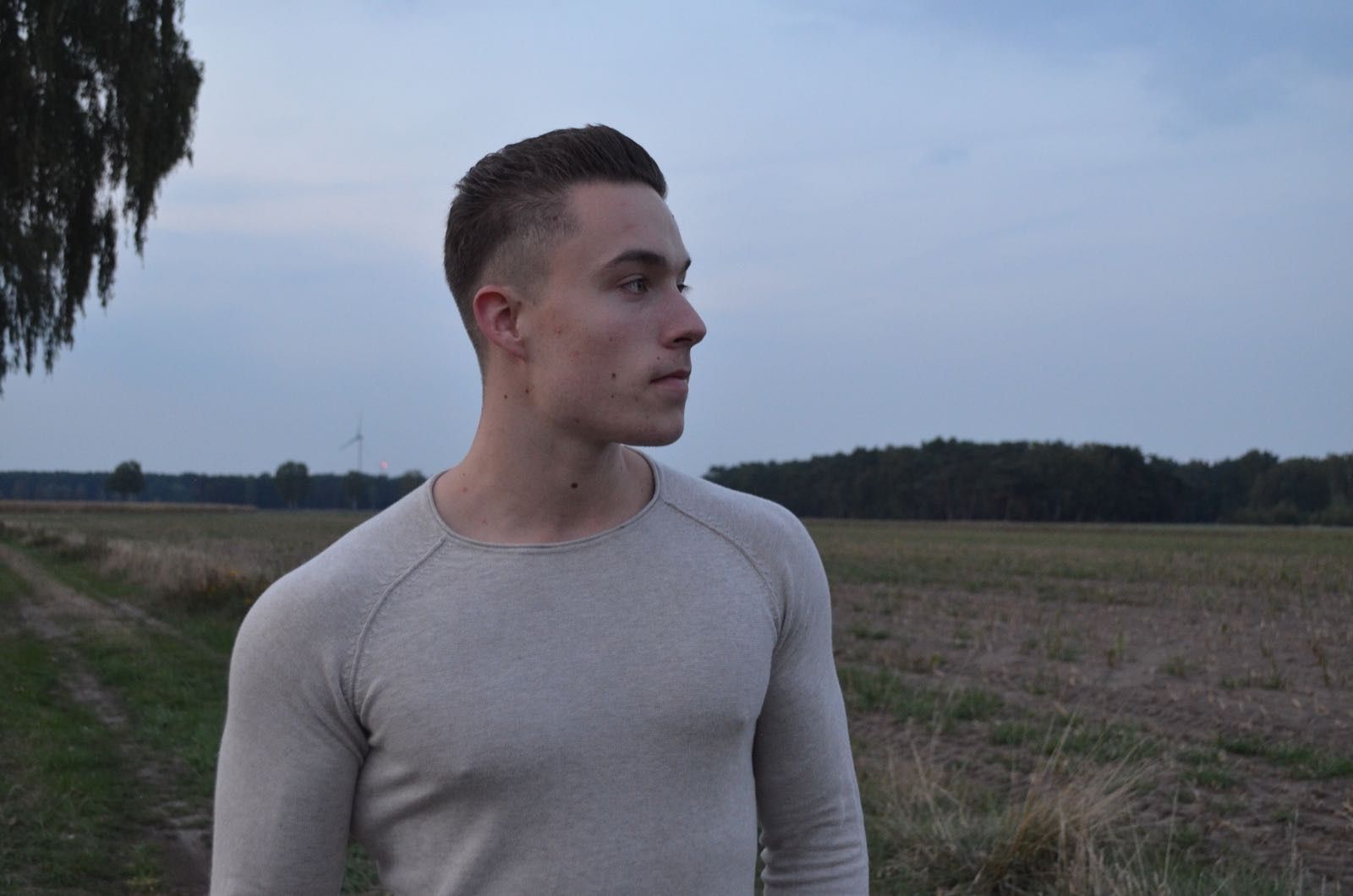 niederlandischen jungen wunderschonen korper im freien